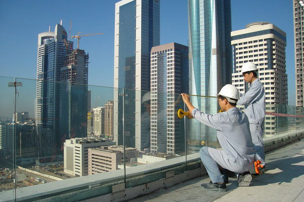 """Why Energy Saving Glass Worker Recruitment Is """"High Technology""""?"""